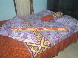 kamar tidur kinan homestay 4