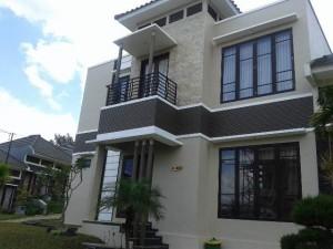 Villa M45 Fasilitas Kolam Renang di Batu Malang