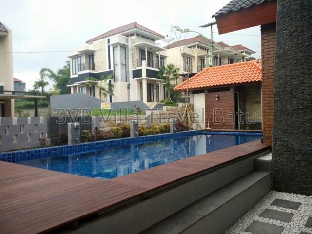 R7 Villa Batu Malang