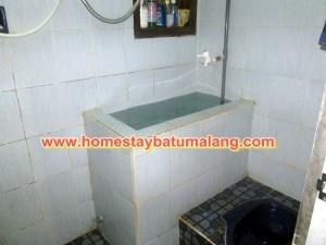 kamar mandi kinan homestay